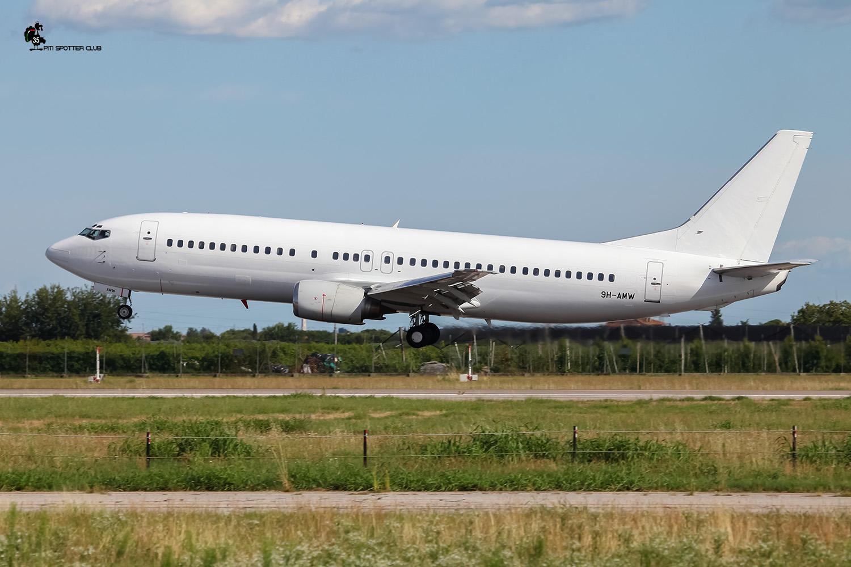 9H-AMW B737-4Q8 26281/2380 VVB Aviation Malta @ Aeroporto di Verona - 06/08/2016 © Piti Spotter Club Verona