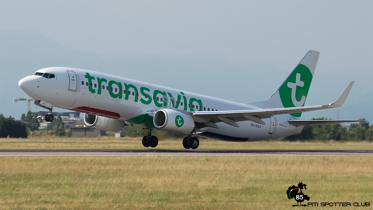 PH-HZA B737-8K2 28373/51 Transavia Airlines