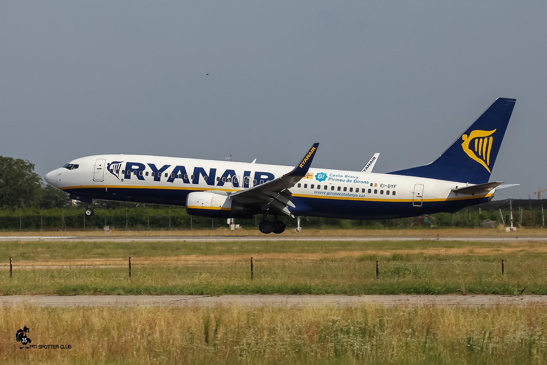 EI-DYF B737-8AS 36569/2549 Ryanair