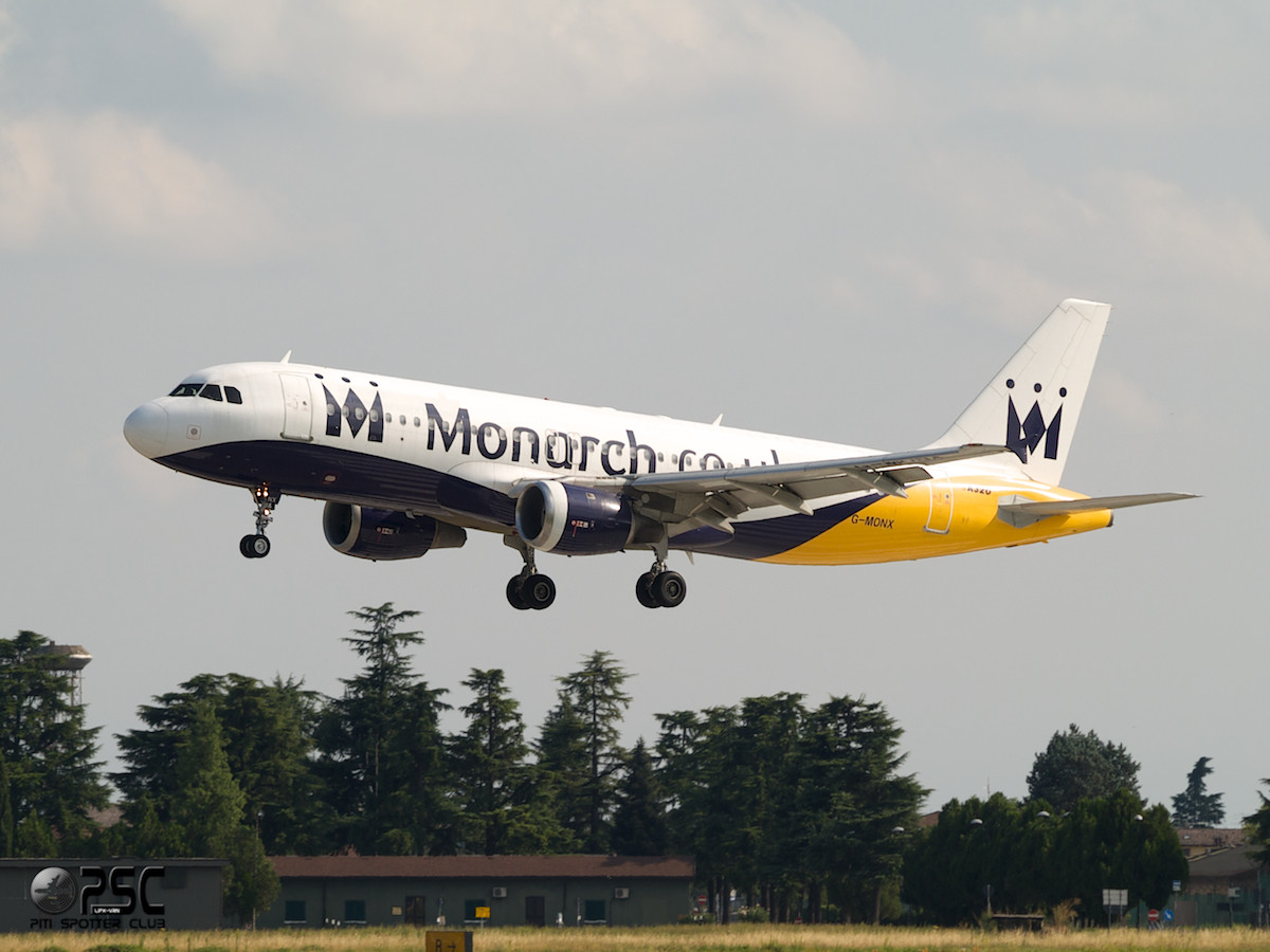Airbus A320 - MSN 392 - G-MONX  Airline Monarch Airlines