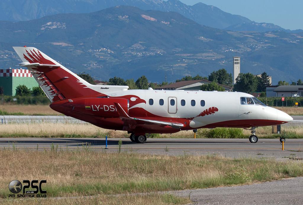 Aurela - Raytheon Hawker 850XP - LY-DSK - CN: 258811
