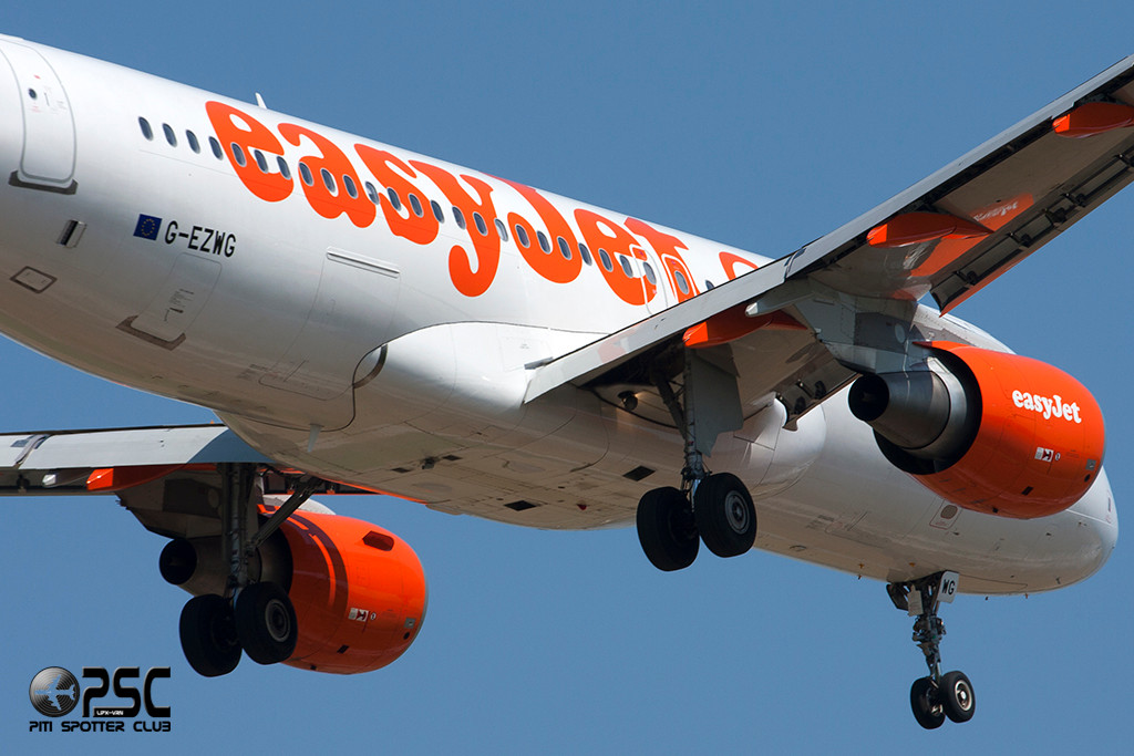 Airbus A320 - MSN 5318 - G-EZWG  Airline EasyJet