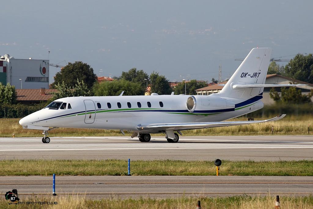 OK-JRT Ce680 680-0558 Travel Service @ Aeroporto di Verona - 30/09/2016 © Piti Spotter Club Verona