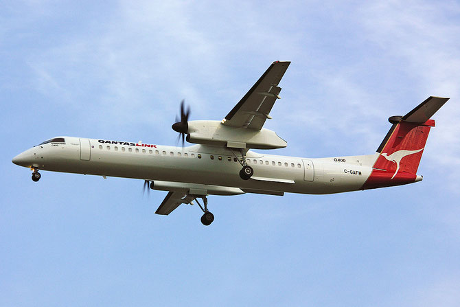 C-GAFM  DHC-8-402  4017  Bombardier Inc.  QANTASlink c/s @ Aeroporto di Verona © Piti Spotter Club Verona