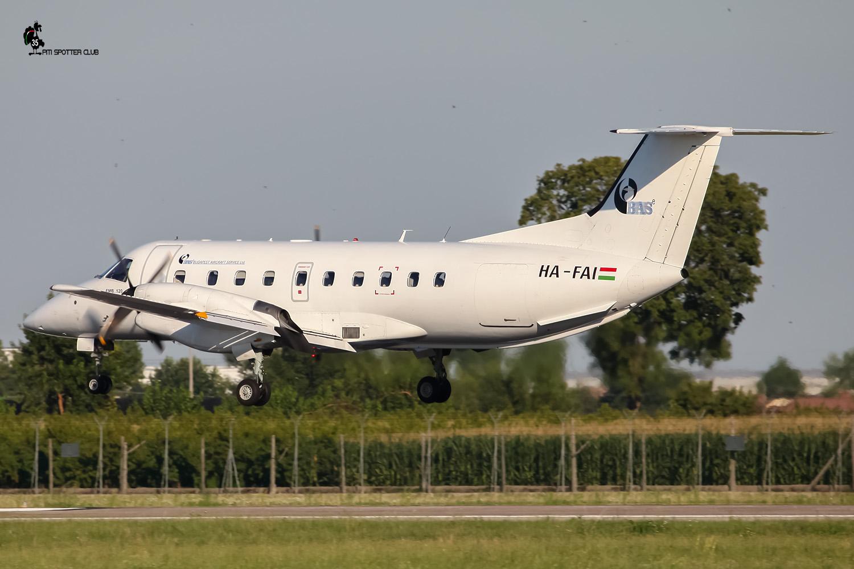 HA-FAI EMB120ER 120123 Budapest Aircraft Service @ Aeroporto di Verona - 13/08/2016 © Piti Spotter Club Verona