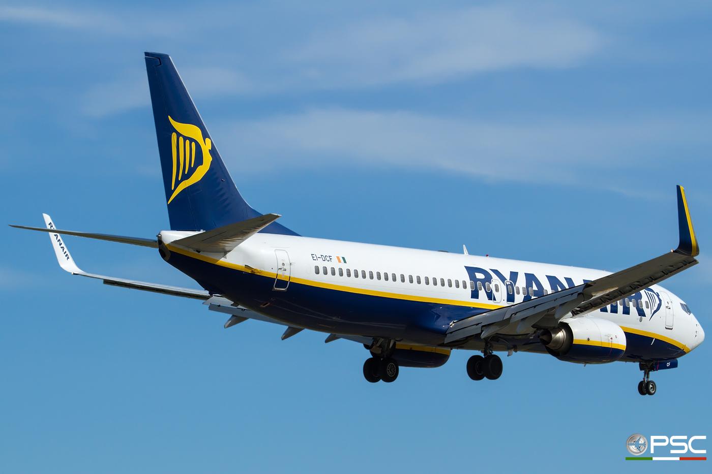 EI-DCF B737-8AS 33804/1529 Ryanair