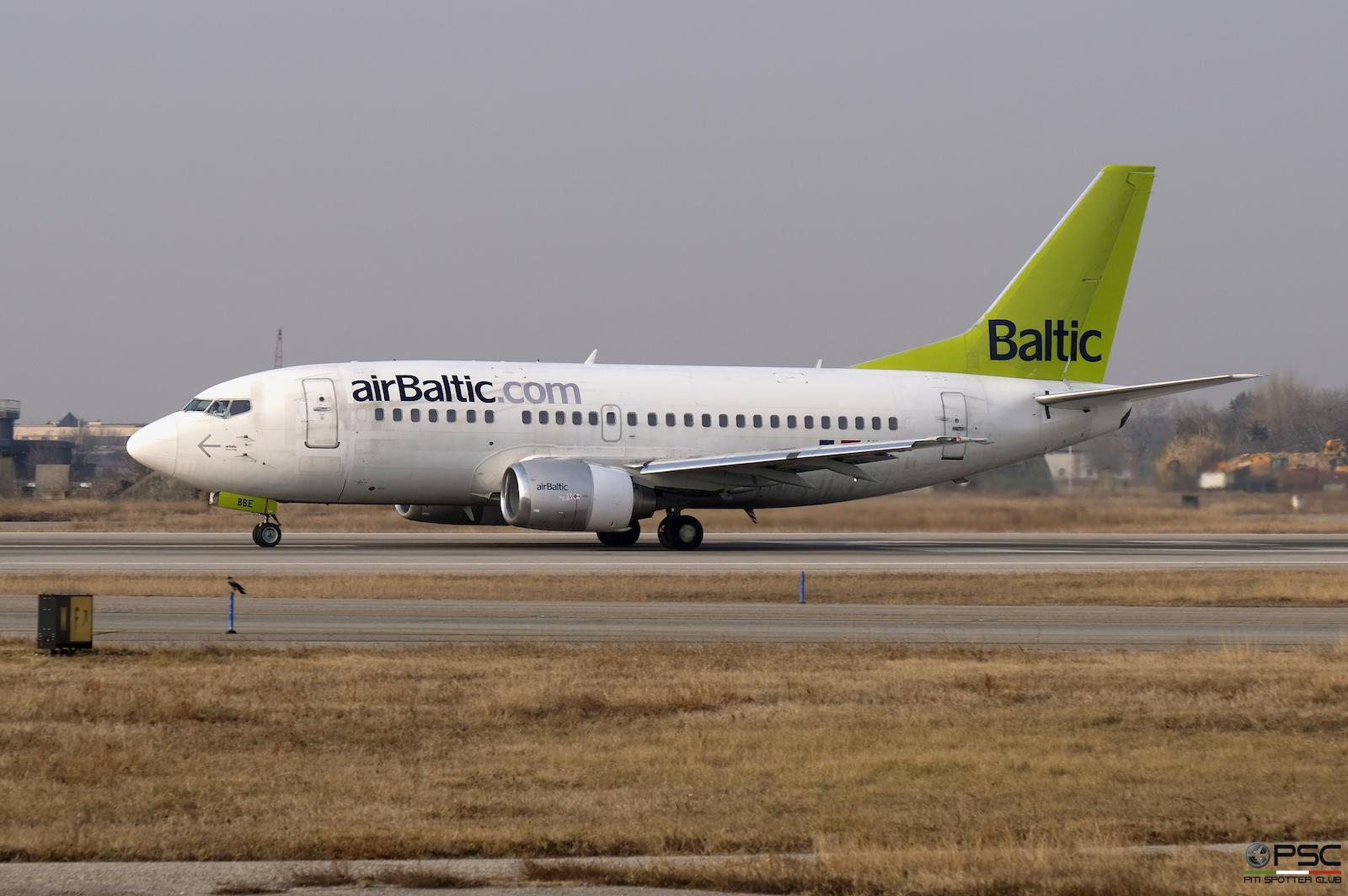 YL-BBE B737-53S 29073/3083 airBaltic @ Aeroporto di Verona - 28.01.2017  © Piti Spotter Club Verona