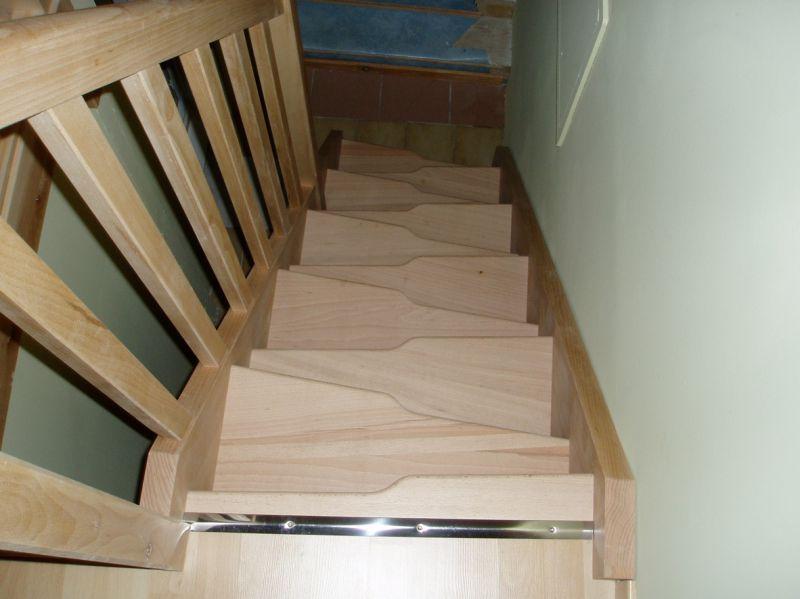 Escalier en hêtre pied droit