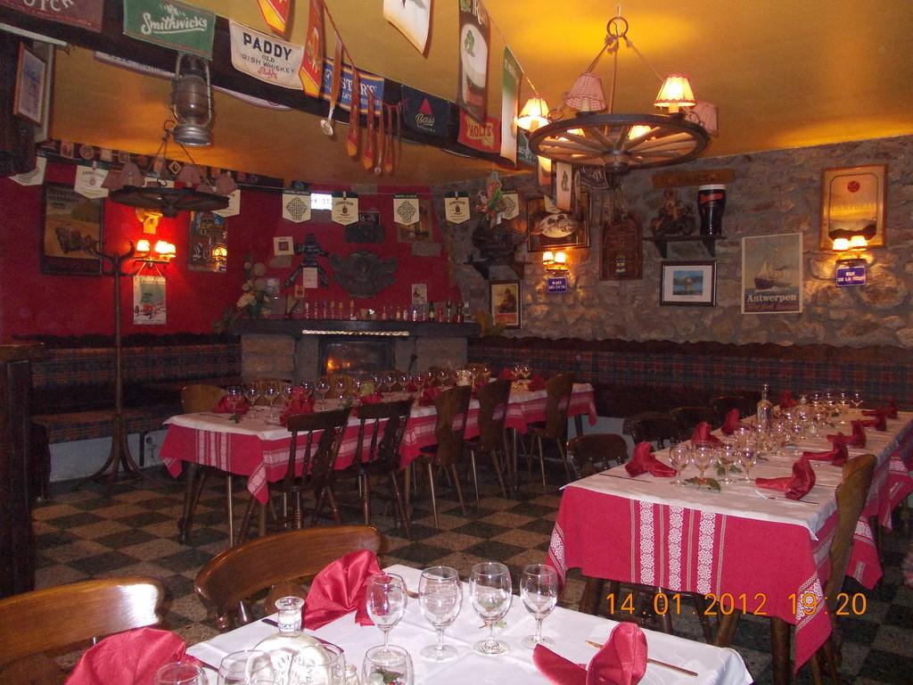 La salle du Pub transformée  en restaurant