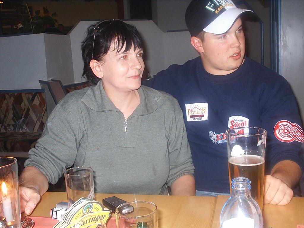 Gary und Lisi (Gary ist der Trompeter des Fanclubs Icebreakers Zell am See)