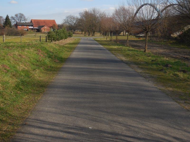 schöne Wege zum Spazieren oder Radfahren