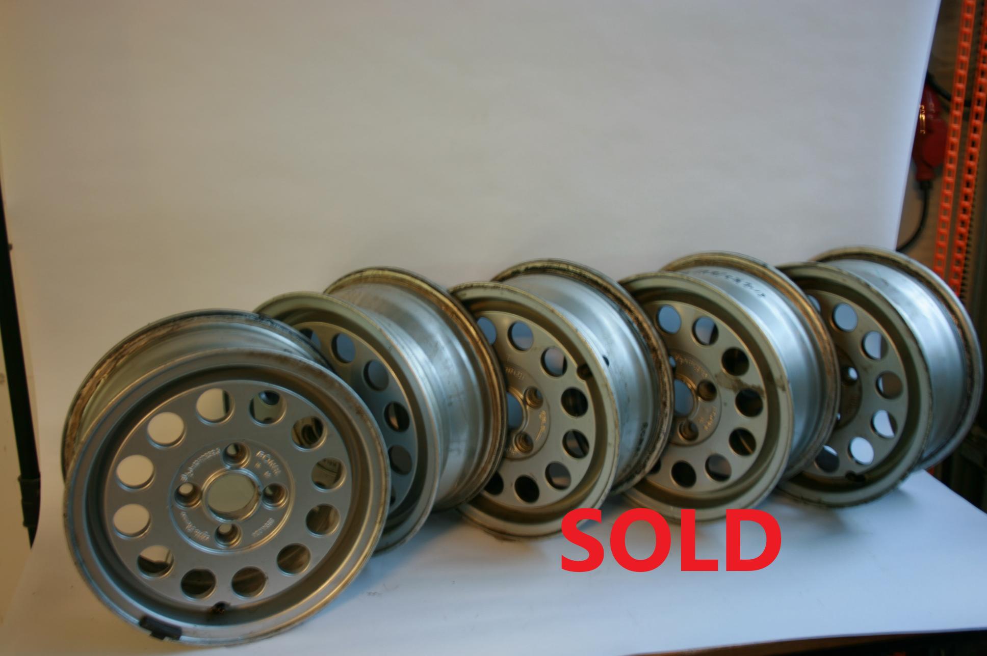 Alfa Romeo 2000 2600 wielen 6 stuks