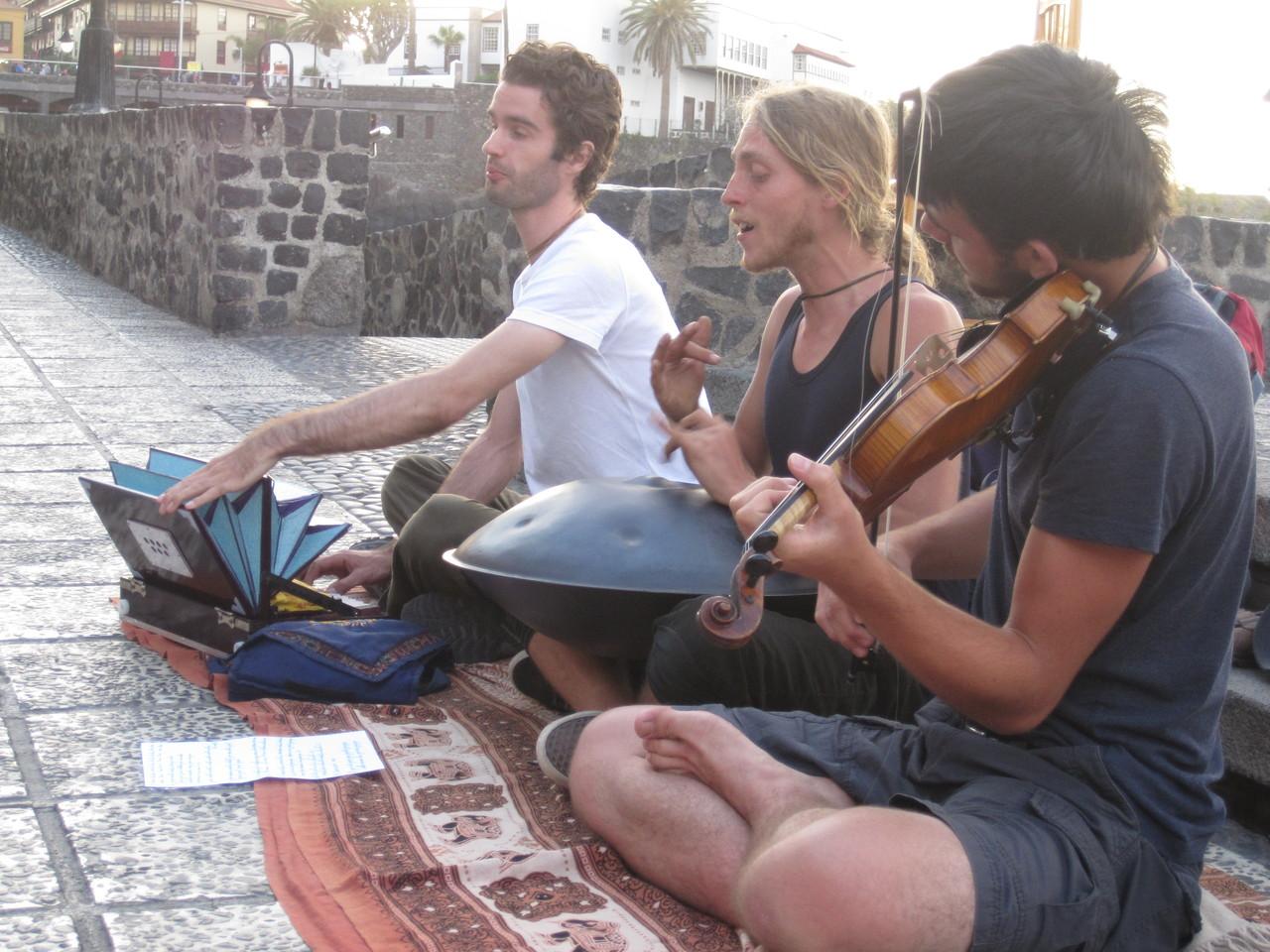 Transzendentale Straßenmusik - Puerto Cruz, Teneriffa 2012