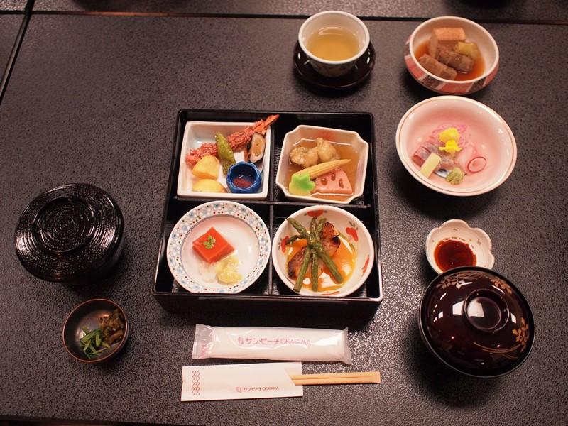 食事および懇親会