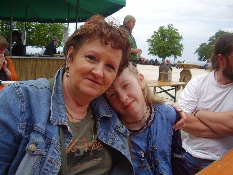 Margarete von Gardelegen mit Enkelin