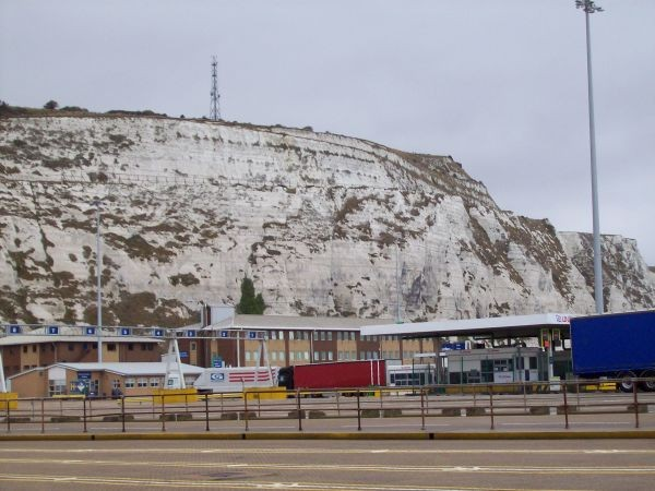 Kreidefelsen am Hafen von Dover                                                                                               Kreidefeldsen bei Dover
