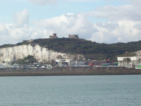Dover Hafen und Dover Castle
