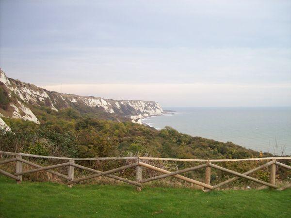 Steilküste mit Kreidefelden Richtung Dover