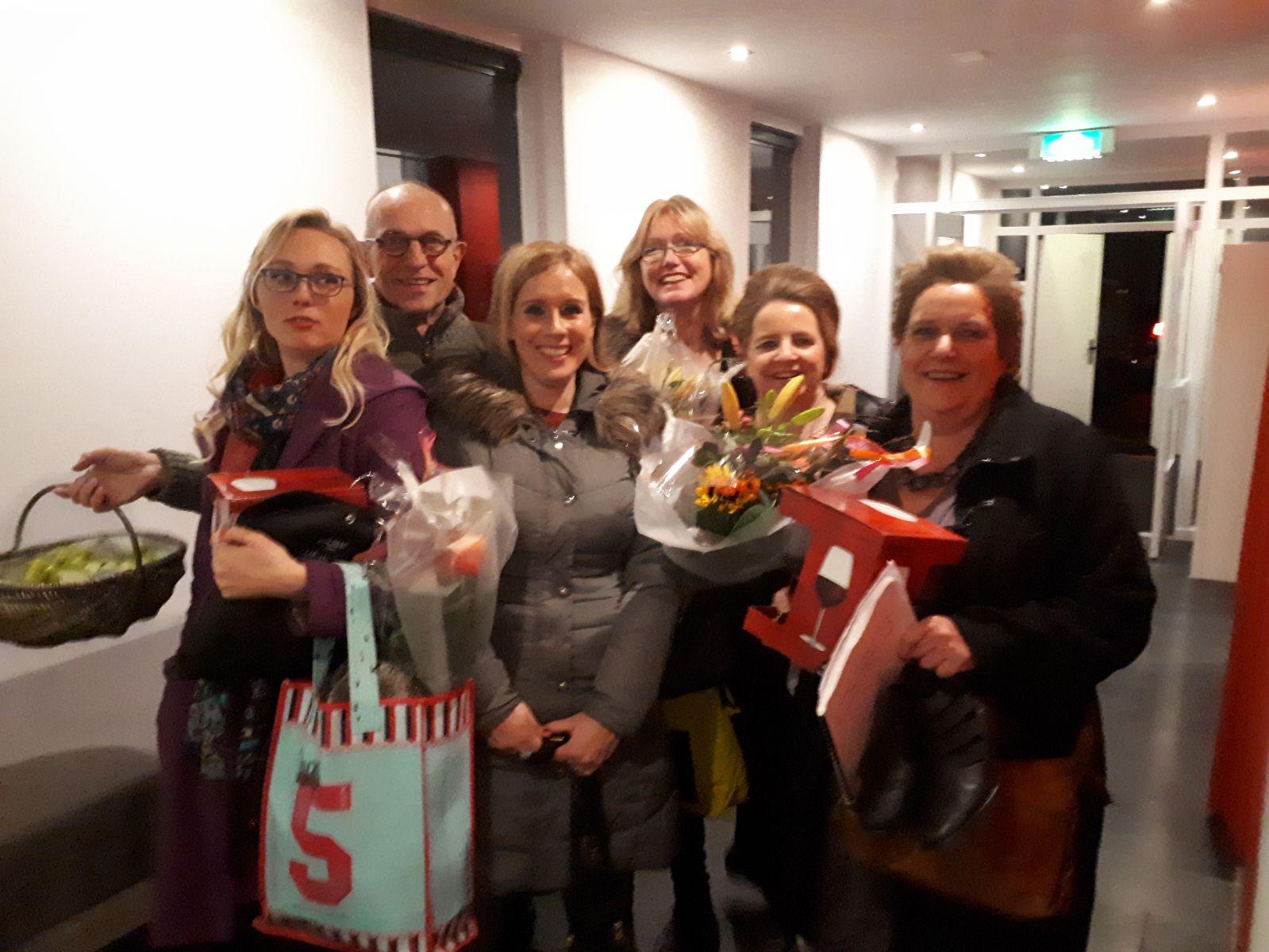 Maartje Otten, Willem Westerman, Saskia van Egmond, Esther Smit (onze muziekante), Laura ten Hag en Henny Veeneman