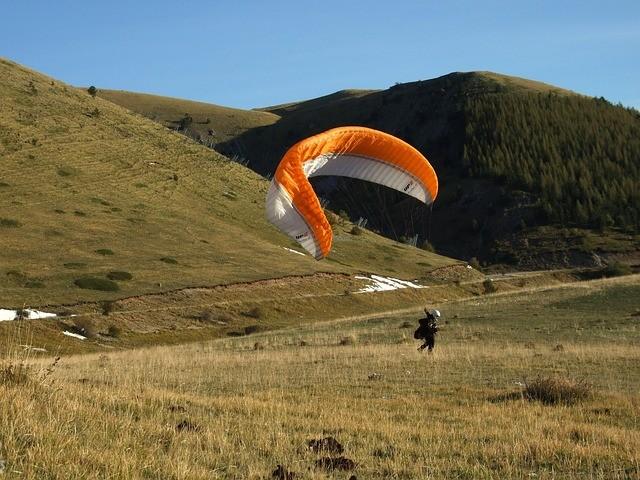Paragliding Gleitschirm Frankreich Berge Alpen Pyrinäen