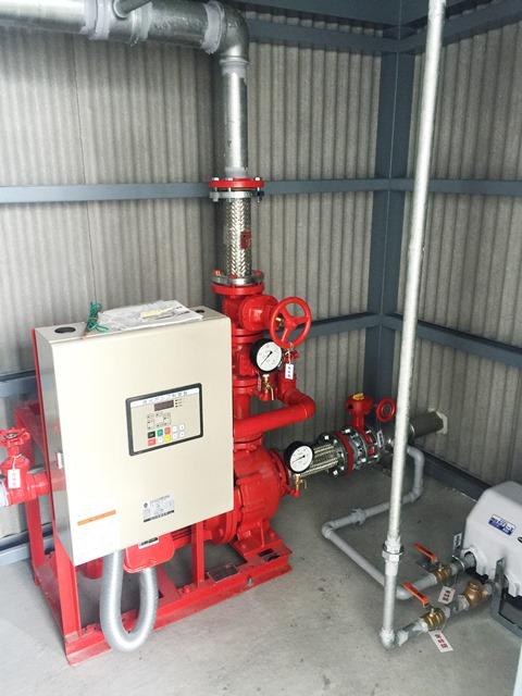 消火ポンプと制御盤が一体の機種