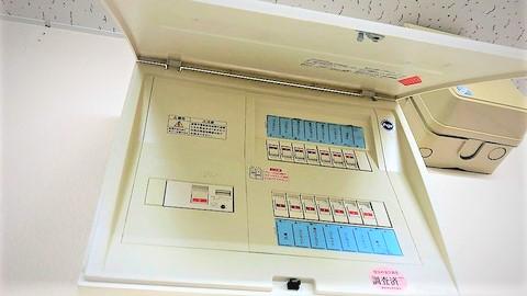 誘導灯の電源は分電盤から