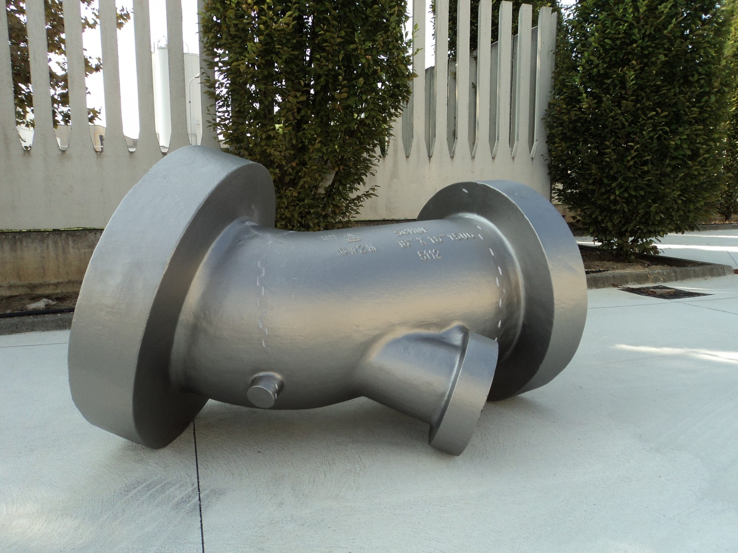 """A494 CW2M (Hastelloy C4C) 16"""" 1500 lbs angle body"""