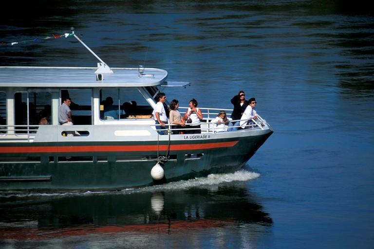 La Ligériade est un bateau fermé, permettant d'apprécier la Loire en toute saison, au soleil, sous la pluie... © Dominique Drouet