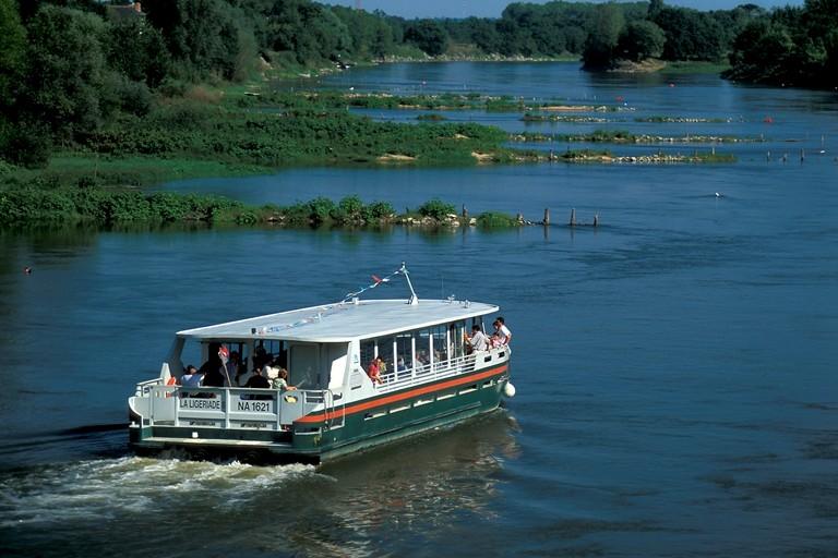 La Loire entre Angers et Nantes présente des épis perpendiculaires au fleuve. © Dominique Drouet