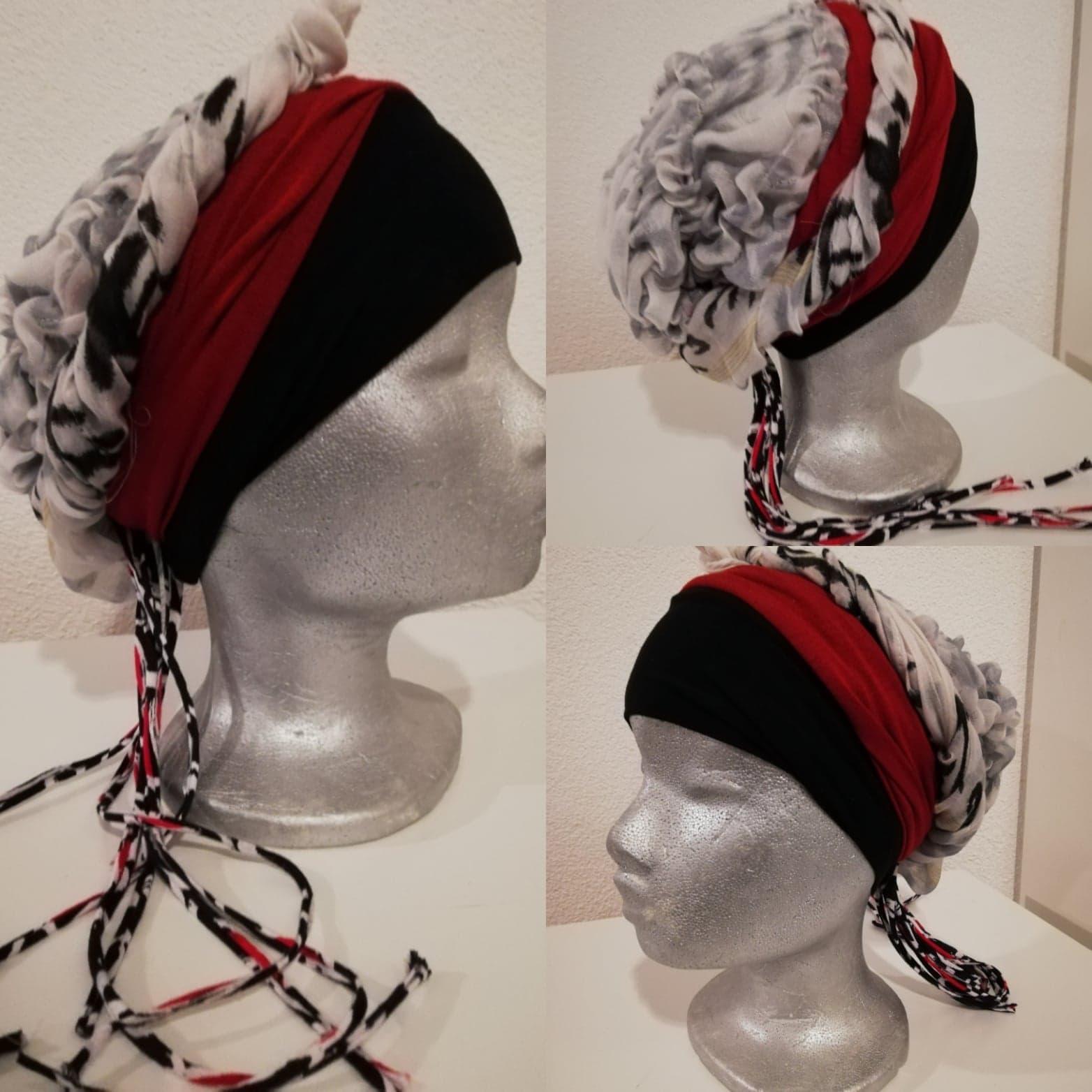 12 Zwart rode band witte shawlgedeelte