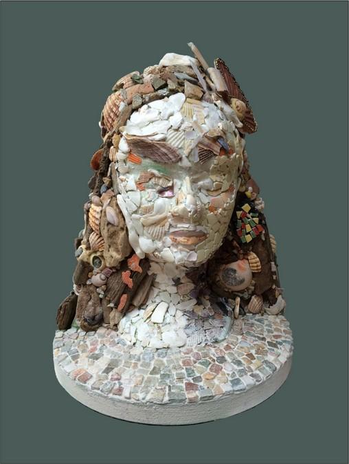 Pascal LEGRAND buste en coquillages et galets