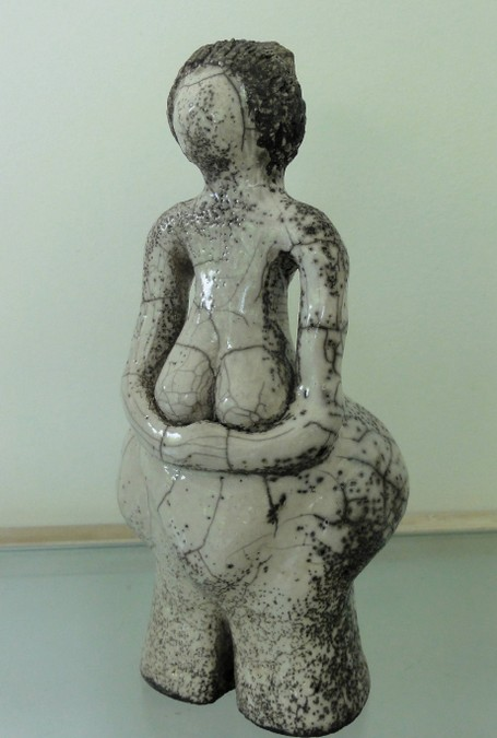 "Anne BOUTET ""Bien dodue""  poterie raku"