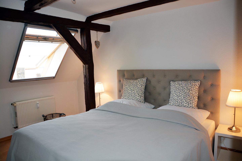 Neu: Das Schlafzimmer ist gemütlich und bietet viel Schlafplatz