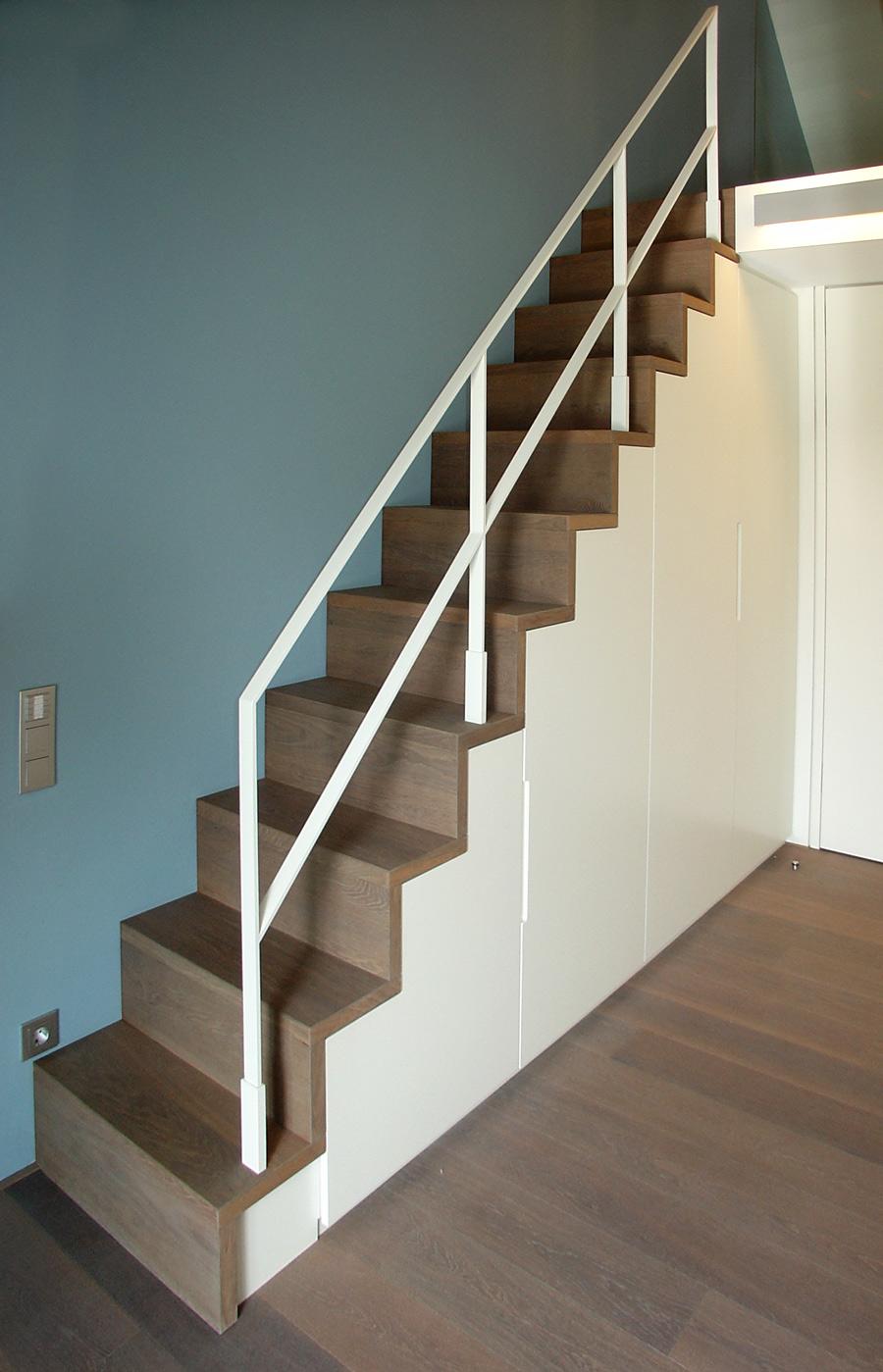 Treppenschrank, Treppe Eiche massiv, Vulcani geölt