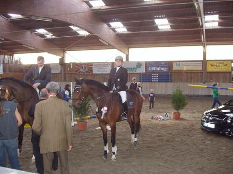 Großer Preis von Schefflenz :Springprüfung Kl.M* mit Siegerrunde:  2. Platz mit Narischa
