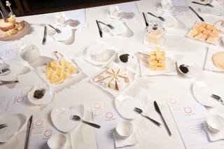 explorer l'univers du thé et du fromage
