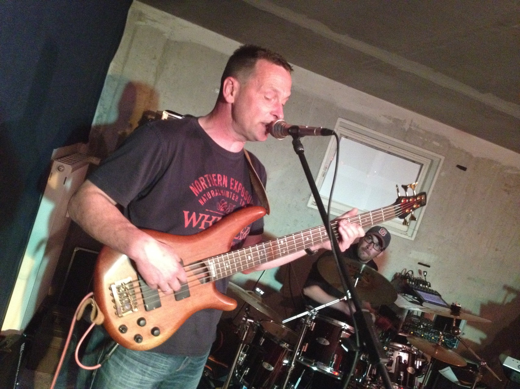 Martin - Bass und Gesang