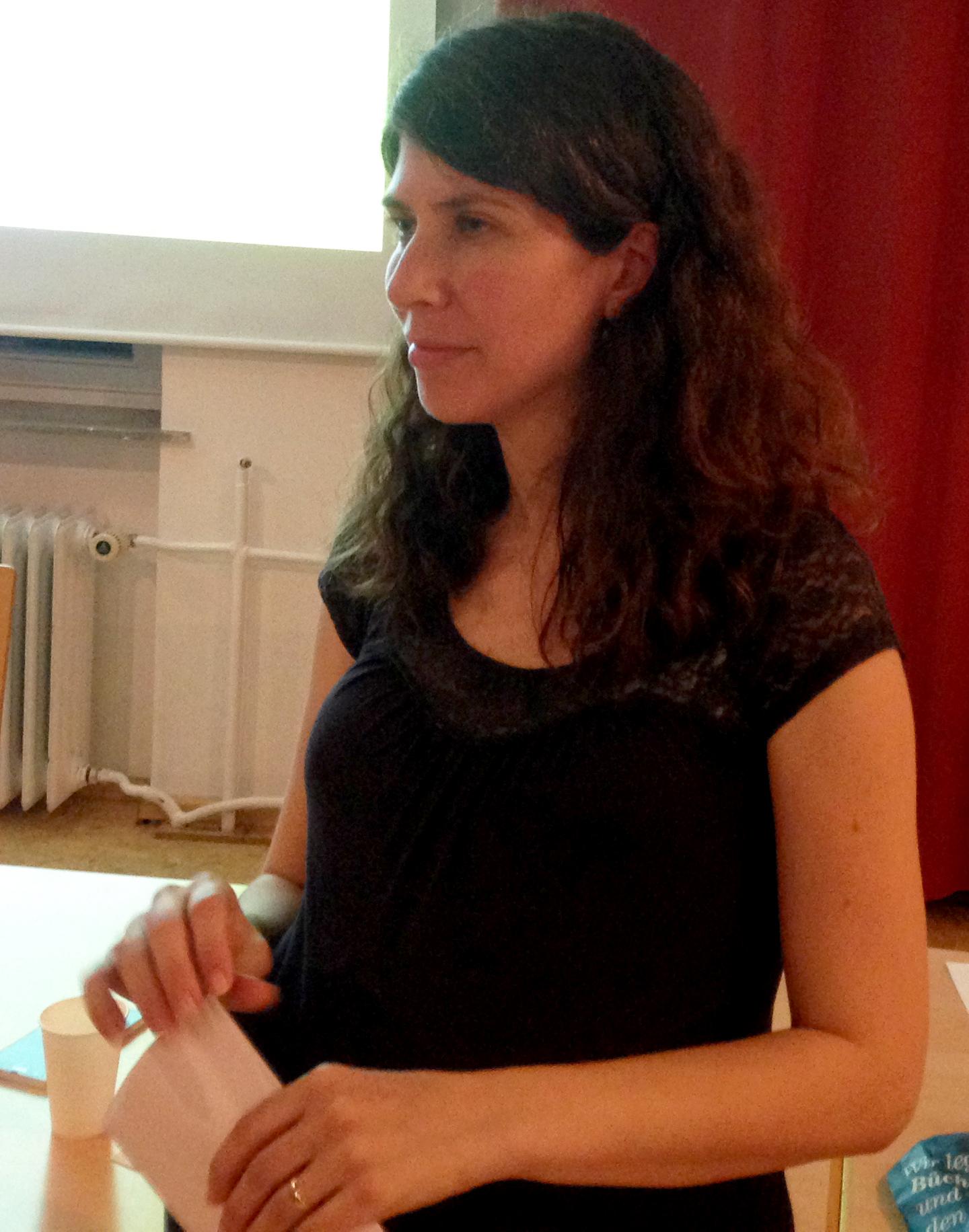 08.10.18. Samar Khoury Haberstroh berichtet bei der offenen Bürgerversammlung über die Erkenntnisse aus ihrer Masterarbeit