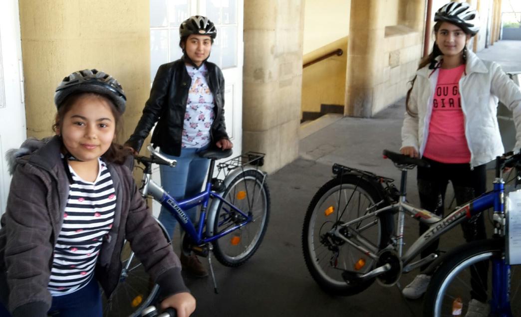 04.04.17. Drei glückliche Radbesitzerinnen