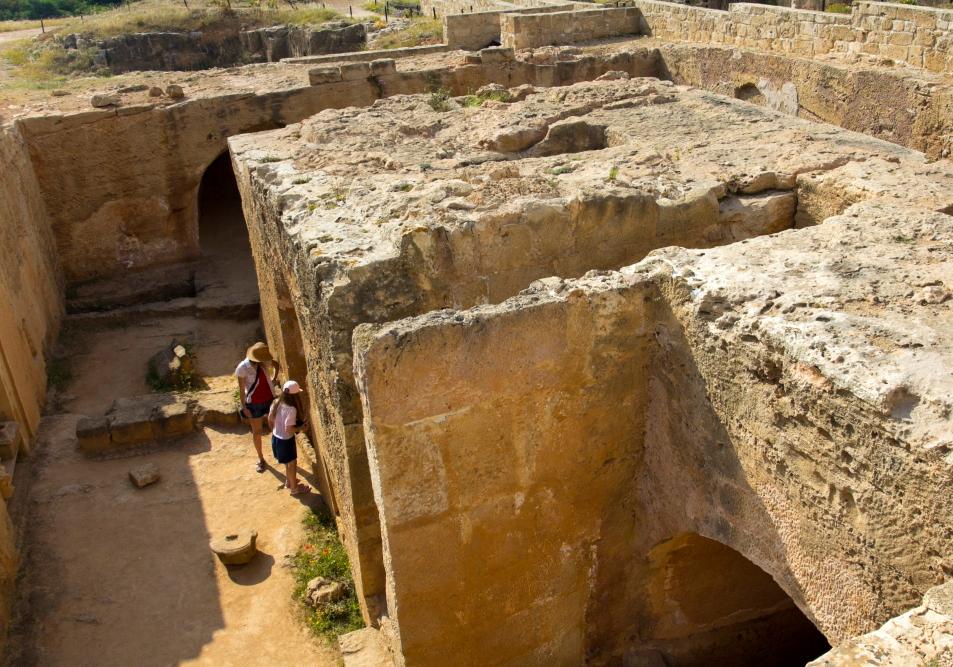 Mirusiųjų miestas po žeme - Karalių kapai Kipre Pafose