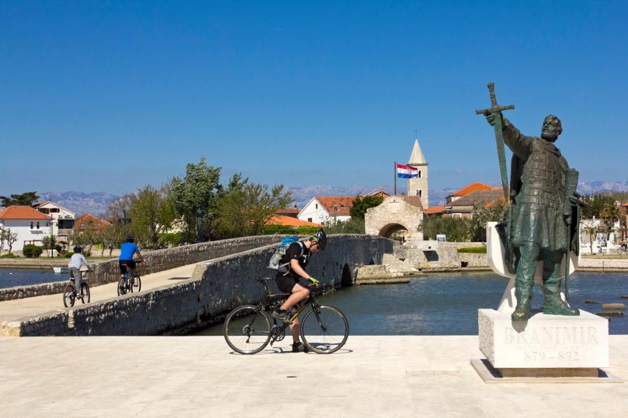 Už tiltelio - Nino miestas - Kroatijos Zadaro pakrantėje