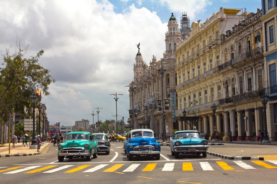Retromobiliai Havanos senamiestyje