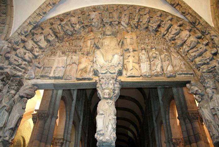 Šv. Jokūbo skulptūra Santjago de Kompostelos katedros portale