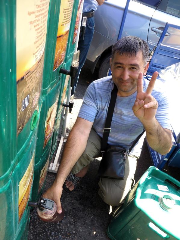 Giros pardavėjas Arbate Almatoje