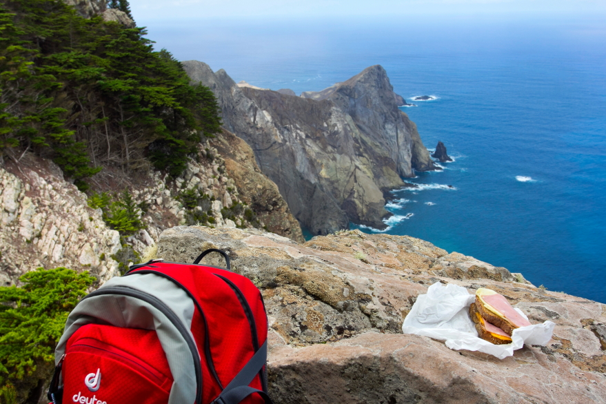 Terra Cha - pietūs su vaizdu į Atlanto vandenyną ir uolas Porto Santo saloje