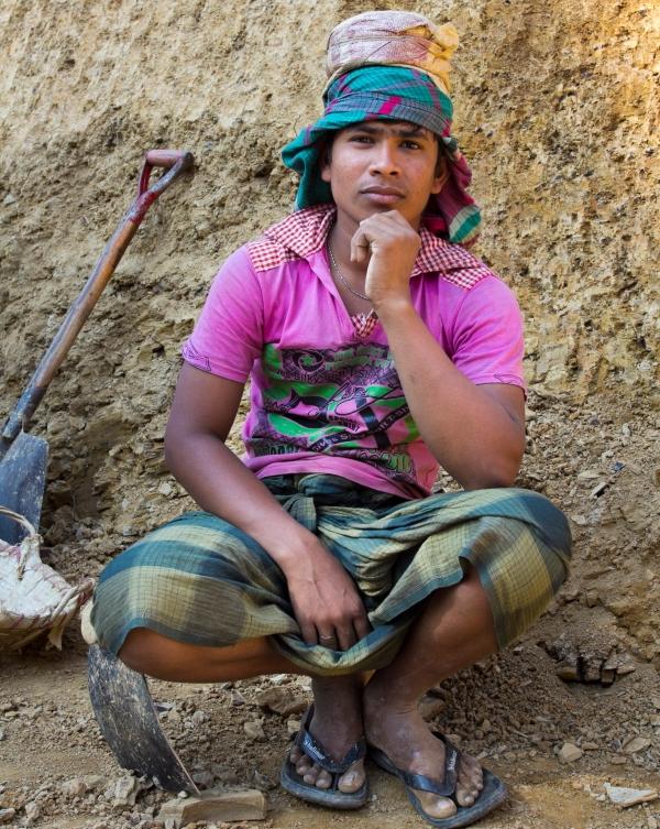 Vaikinas iš Farukparos kaimo Bangladeše Čitagongo kalvų ruože