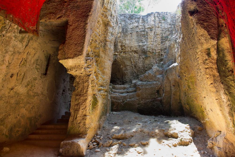 Sklando legendos, kad katakombose palaidoti 174 m. pr. Kr. nukankinti septyni broliai / Foto: Kristina Stalnionytė