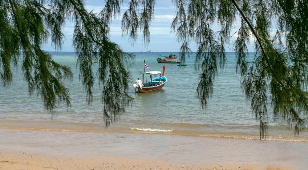 Ilganosės valtys Bang Tao paplūdimyje Pukete