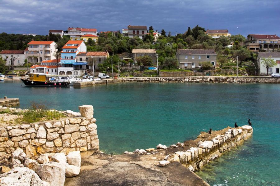 Miestelis Pago salos pakraštyje - Kroatija