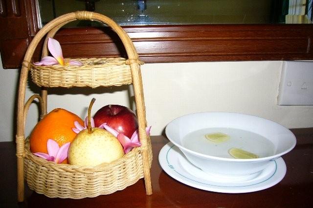私は風邪でお休み。お部屋にフルーツが届きました。ありがとう~☆